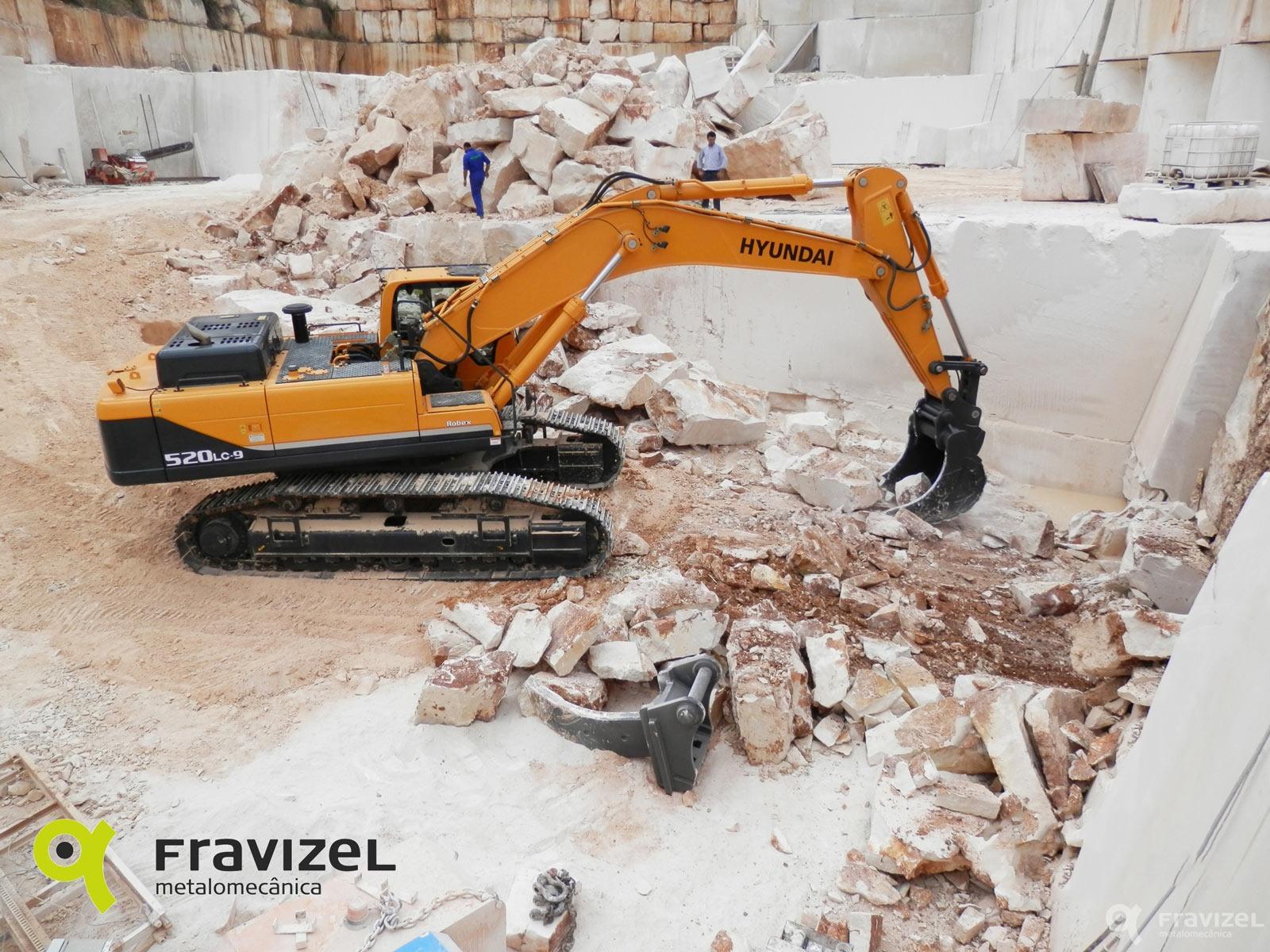 Excavator Rock Bucket : Rock bucket for excavator fravizel